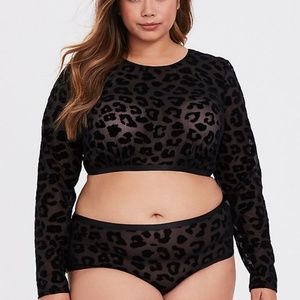 Torrid black flocked leopard & mesh crop top 3X